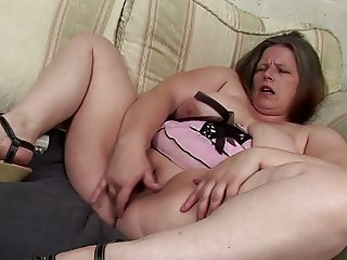 Mature mom with squirting old cunt