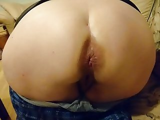 She farts out my cum
