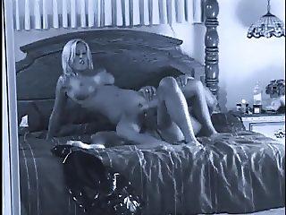 mom 2