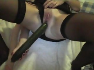 Hot milf loves the cucumber in the cunt