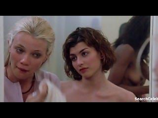 Jaclyn DeSantis in Road Trip (2000)