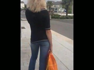 Guy cum over nice ass at bus stop