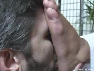 fcc serbian foot lick
