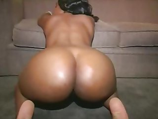 Thick Azz African Booty Getting her Fuck on 2