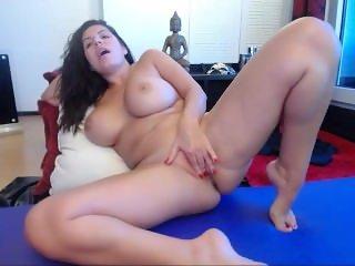 www.find6.xyz cute hotjuliaxxx squirting on live webcam