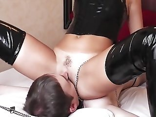 dominas licking slave
