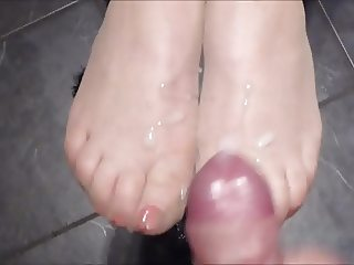 Cum on stocking feet with red toenails - as requested!