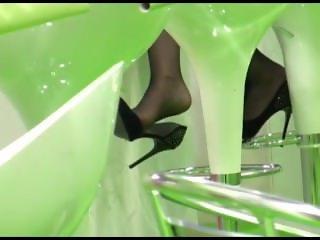 Candid High Heel Dangling!