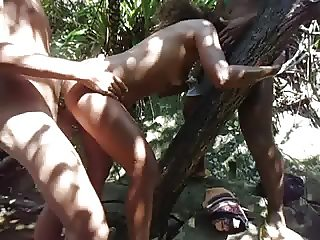 ORGIA COM A SAFADA NO MATO