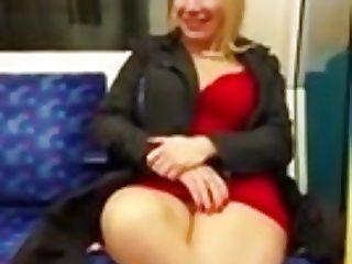 Hot metro Milf