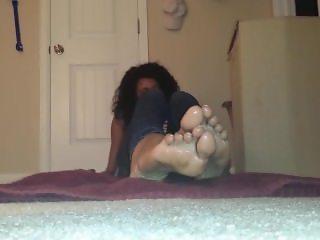 Hot Ebony Teen Oiled Feet Tease 1080p HD