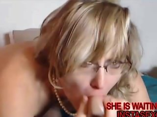 Megan squirting on cam