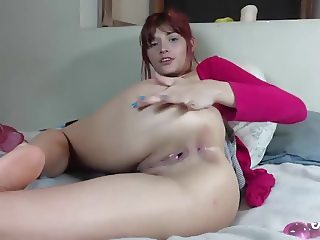 Hot skinny redhead plays with her pussy - neatcams com