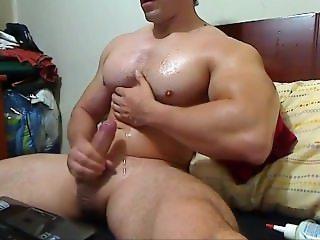 Big Muscle Cummer