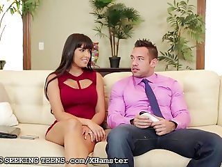 Couple Fuck the Computer Repair Lady
