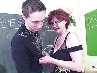 Female Sex Teacher Seduce Young Boy to Fuck her MILF Pussy