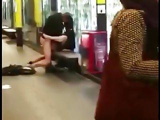 Sexo en el metro de Barcelona
