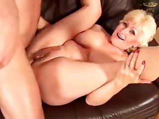 Mature blonde Fucked