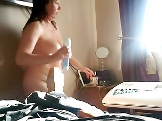 Bbw flashes her pussy