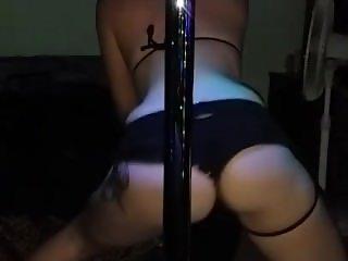 sexy white girl dancing twerking