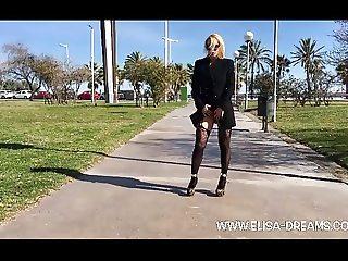 Flashing no panties in public in Barcelona