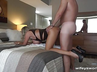 Wifey Fills Her Mouth With Cum