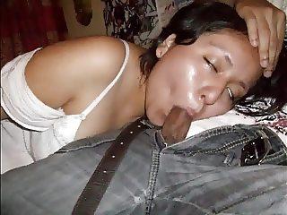 La putita de Cristina  haciendo unos mamelucos