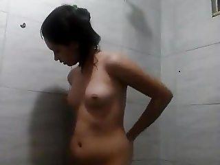 NAMORADINHA SAFADA NO BANHO