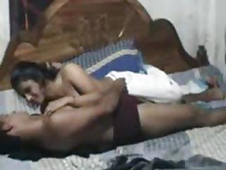 india con su novio