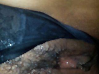 Se masturba despues de venirsele esnima