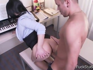 Seductive Piano Teacher