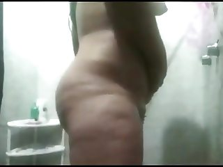 arabic milf shaving