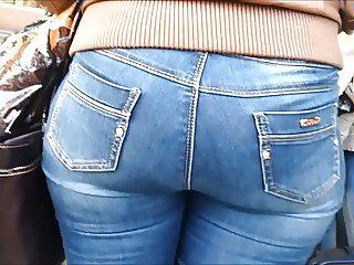 Big ass redhead milf in jeans