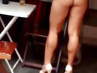 Mulher melao pelada na favela