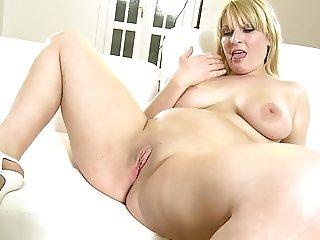 Sexy Chubby Playing