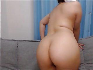 Chubby Japanese booty on cam