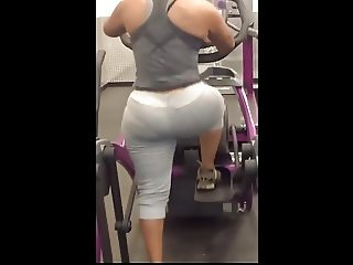Latina Candid Ass In SPANDEX!!!! TREADMILL