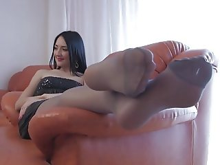 Francesca pantyhose foot tease