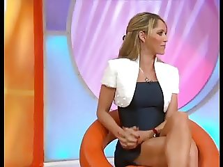 Ines Sainz amazing legs mini skirt