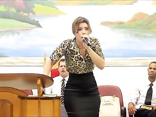 Pregadora Crente Gostosa
