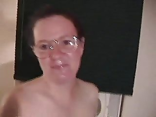 NERDY MATURE COCK ADDICT PICKED UP AND WANTS PICTURES TAKEN