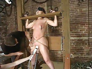 Fuckmachine fuck an bounded Slavegirl 2