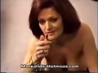 Mommy smoking while fucking _ Hotmoza.com