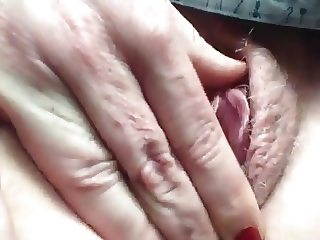 Amateur Dildo Orgasm at Offtce