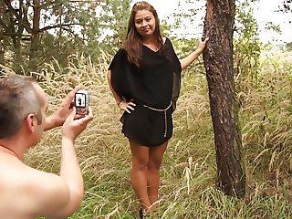 Skinny girlfriend gets fucked outdoors