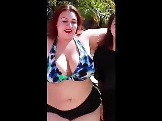 Sexy bbw Kayla moving her body