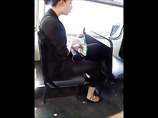 Voyeur joven mexicana en el bus flaquita rica comiendo