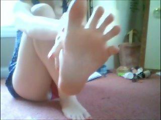 pendejita de anteojos feet