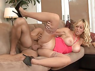 Facial for blonde milf big tits in stockings (TOP MILF)