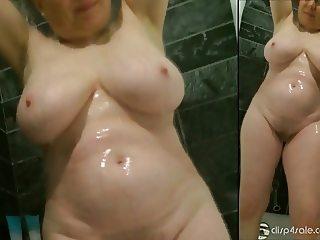 Check out Mom's crazy body